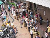 中国大陸人、香港人の「運び屋」をリクルート