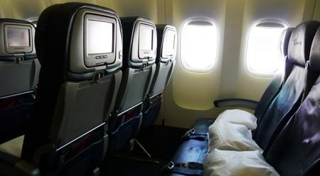 キャセイが座席幅の縮小による席数増加を計画