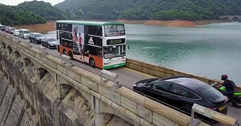 香港で「最も怖い道」に信号機設置か?