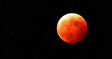 本日深夜、香港で「皆既月食」が起こる