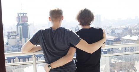 同性婚カップルの家族ビザ申請の受付が開始